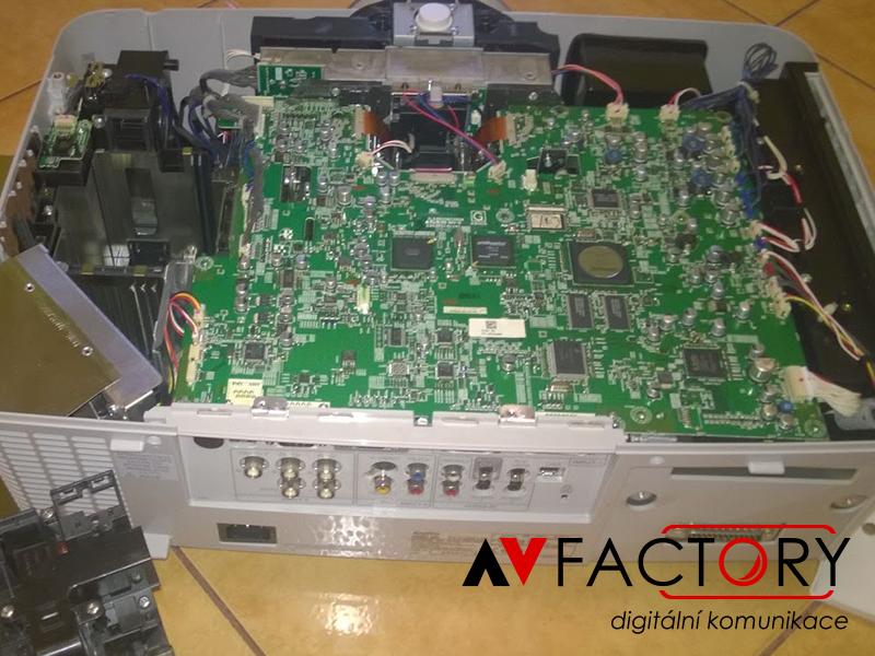 Utavení zobrazovacího procesoru – zničený laserovým paprskem